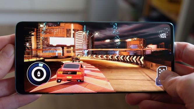 So sánh OnePlus 8 Pro vs iPhone 11 Pro: Có xứng đáng với mức giá trên 20 triệu đồng? ảnh 4
