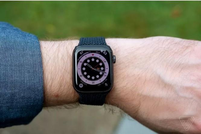 Samsung Galaxy Watch 3 vs Apple Watch SE: Smartwatch nào đáng mua với mức giá 10 triệu đồng? ảnh 9