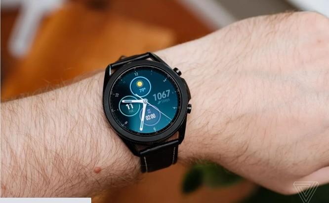 Samsung Galaxy Watch 3 vs Apple Watch SE: Smartwatch nào đáng mua với mức giá 10 triệu đồng? ảnh 2