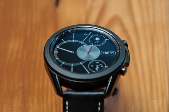 Samsung Galaxy Watch 3 vs Apple Watch SE: Smartwatch nào đáng mua với mức giá 10 triệu đồng? ảnh 4