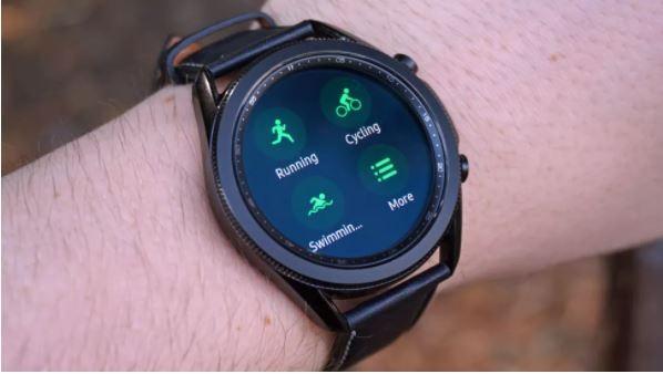 Samsung Galaxy Watch 3 vs Apple Watch SE: Smartwatch nào đáng mua với mức giá 10 triệu đồng? ảnh 7