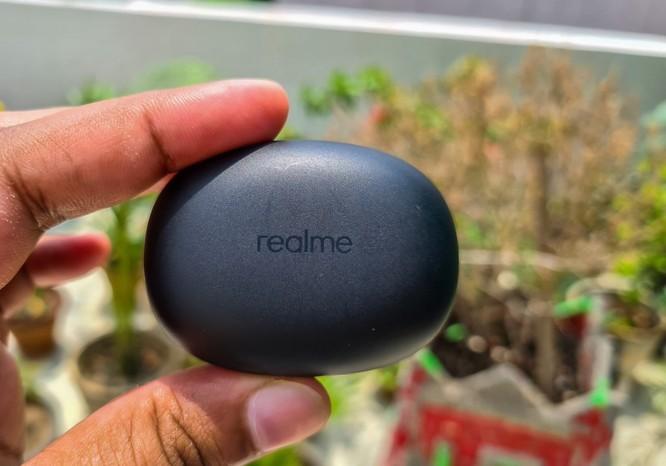 Realme Buds Q và LG Tone Free FN6: Dưới 3 triệu đồng, chọn tai nghe nào? ảnh 2