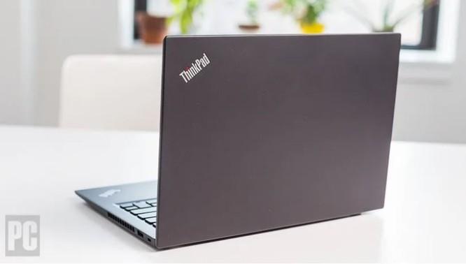 ThinkPad T490s vs ThinkPad X1 Carbon Gen 8: Đẹp, mỏng nhẹ, tinh tế ảnh 3