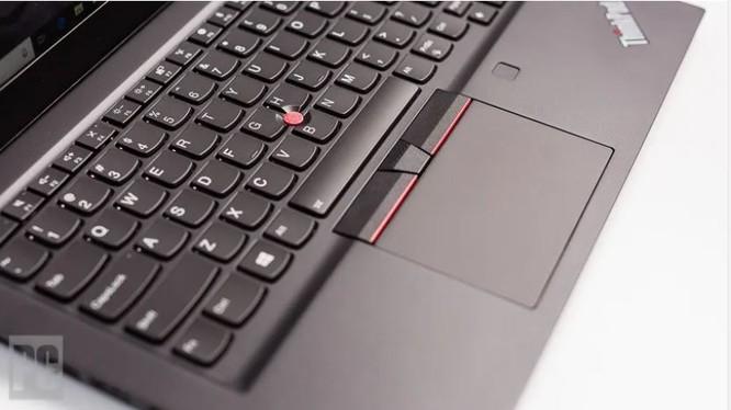 ThinkPad T490s vs ThinkPad X1 Carbon Gen 8: Đẹp, mỏng nhẹ, tinh tế ảnh 5