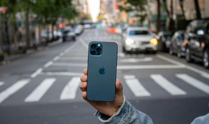 iPhone 12 Pro vs Samsung Galaxy Note 20 Ultra: Trong khoảng 30 triệu nên mua mẫu nào? ảnh 4
