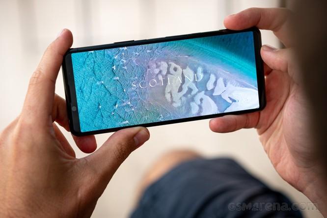"""Xperia 5 Mark 2 và Galaxy Note 20 Ultra: Chọn """"tân binh"""" của Sony hay """"trùm cuối"""" Samsung? ảnh 5"""