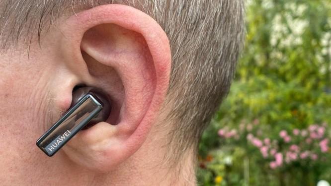 Huawei FreeBuds Pro vs AirPods Pro: Đâu là chiếc tai nghe true wireless đáng mua ? ảnh 3