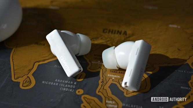 Huawei FreeBuds Pro vs AirPods Pro: Đâu là chiếc tai nghe true wireless đáng mua ? ảnh 4