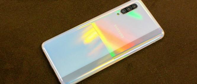 Samsung Galaxy A90 5G vs Redmi Note 9 Pro: Kẻ tám lạng, người nửa cân ảnh 5