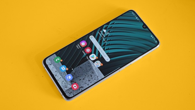 Samsung Galaxy A90 5G vs Redmi Note 9 Pro: Kẻ tám lạng, người nửa cân ảnh 1