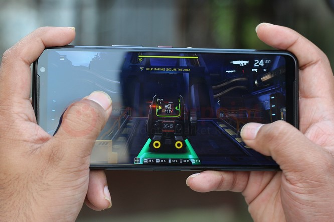 Asus ROG Phone 3 vs Black Shark 3 Pro: Đâu là chiếc smartphone gaming đáng mua? ảnh 6