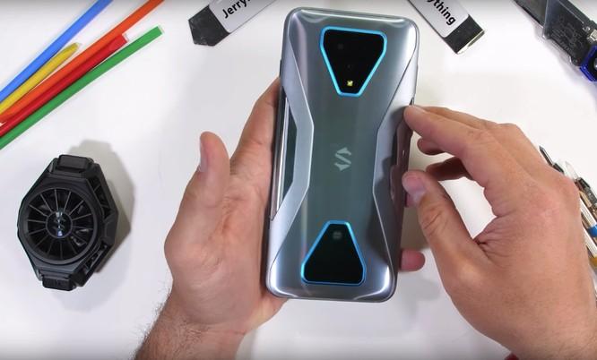Asus ROG Phone 3 vs Black Shark 3 Pro: Đâu là chiếc smartphone gaming đáng mua? ảnh 12