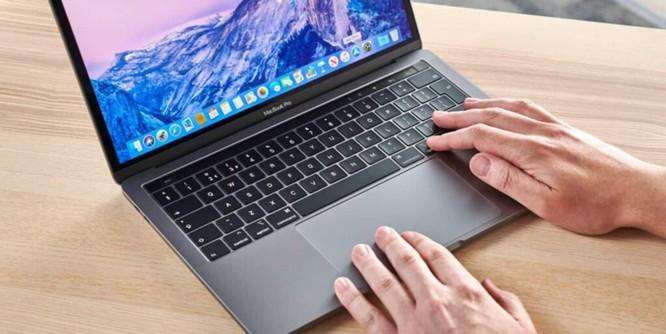 Macbook Pro 13 2020 vs ThinkPad X1 Carbon Gen 8: Chọn MacOS hay Windows ? ảnh 4