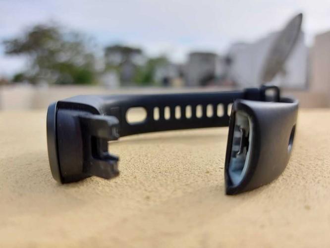 4 chiếc vòng đeo tay thông minh đáng mua nhất trong tầm giá dưới 1 triệu đồng ảnh 8