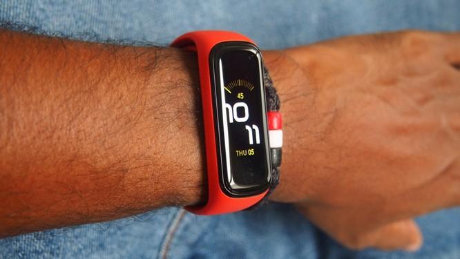 4 chiếc vòng đeo tay thông minh đáng mua nhất trong tầm giá dưới 1 triệu đồng ảnh 3