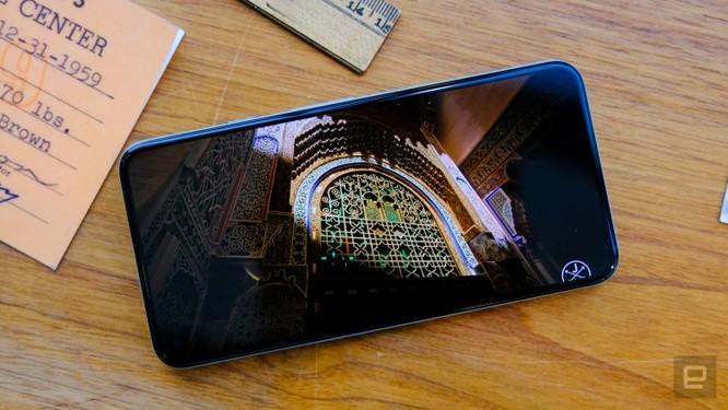 So sánh Google Pixel 5 với iPhone 12 Mini: smartphone nhỏ gọn, cấu hình khủng ảnh 12