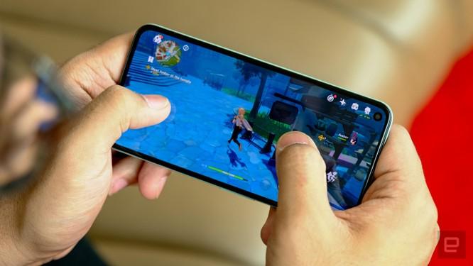 So sánh Google Pixel 5 với iPhone 12 Mini: smartphone nhỏ gọn, cấu hình khủng ảnh 16