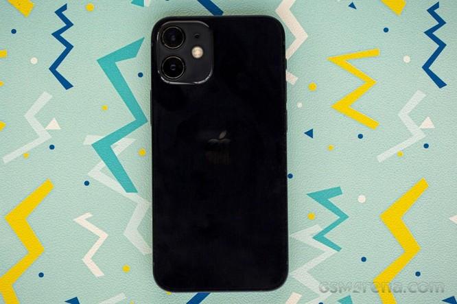 So sánh Google Pixel 5 với iPhone 12 Mini: smartphone nhỏ gọn, cấu hình khủng ảnh 1