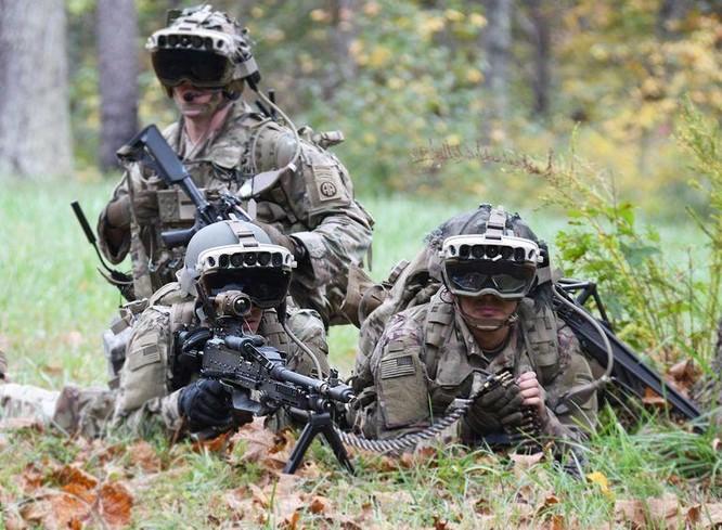 Kính bảo hộ mới của quân đội Mỹ cho phép binh lính nhìn xuyên vật thể ảnh 1