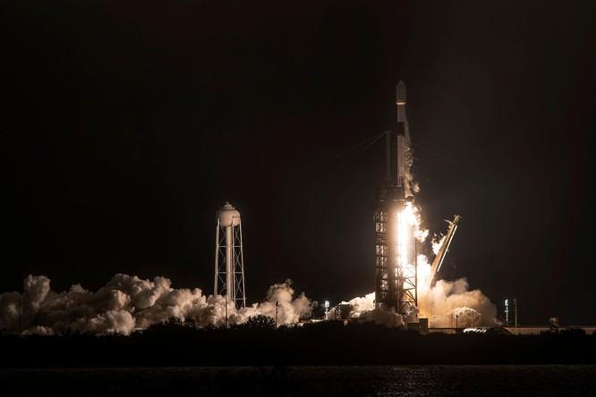 Mảnh vụn từ tên lửa SpaceX rơi xuống trung tâm thủ đô Washington ảnh 1