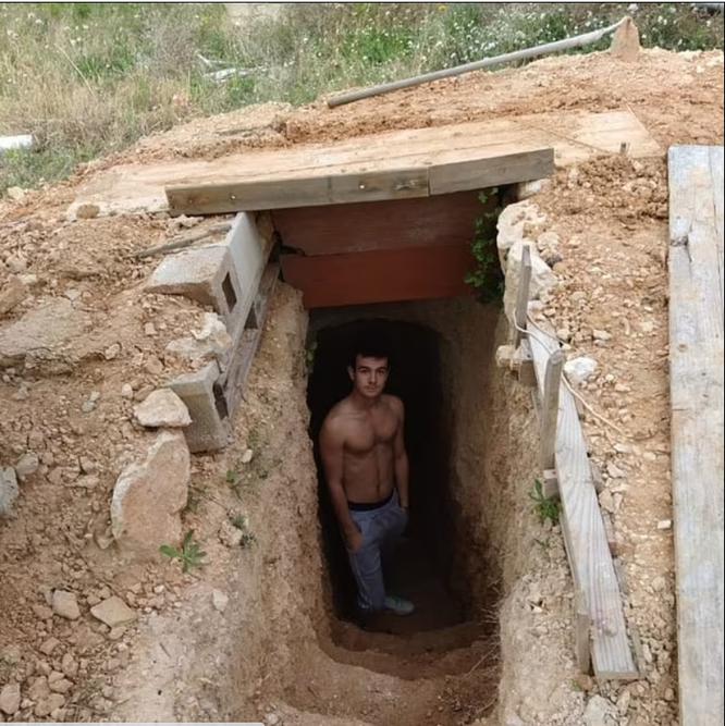 Chàng thanh niên dành 6 năm đào hầm bí mật sau vườn nhà vì cãi nhau với bố mẹ ảnh 1