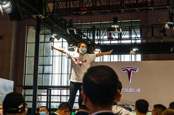 Nguyên nhân sự sụp đổ của Tesla tại thị trường xe điện Trung Quốc ảnh 1
