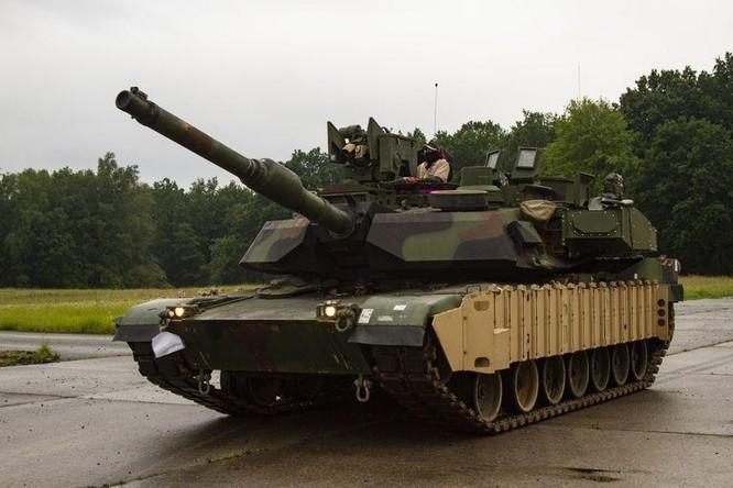 Cận cảnh tên lửa chống tăng bị chính lớp phòng thủ của xe tăng tiêu diệt ảnh 3