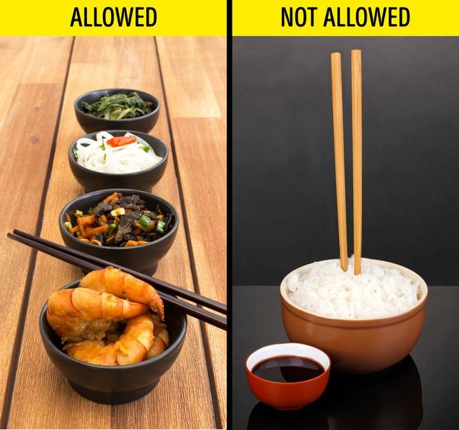 8 quy tắc ăn uống kỳ lạ ở một số quốc gia trên thế giới bạn nên biết ảnh 8