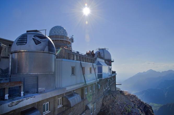 Thót tim chiêm ngưỡng 16 cầu thang nguy hiểm trên thế giới ảnh 16