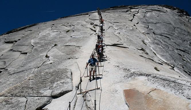 Thót tim chiêm ngưỡng 16 cầu thang nguy hiểm trên thế giới ảnh 14