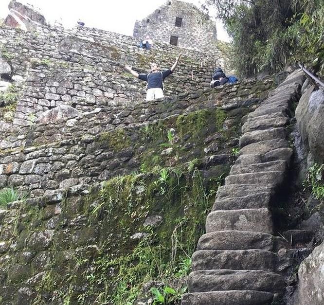 Thót tim chiêm ngưỡng 16 cầu thang nguy hiểm trên thế giới ảnh 15
