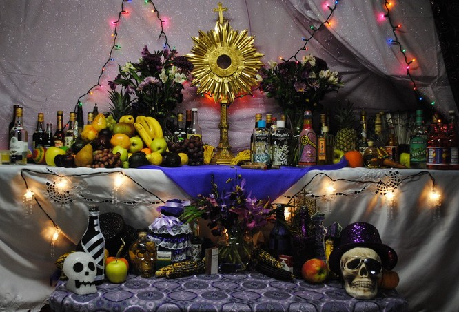 Lễ hội Halloween trên thế giới diễn ra như thế nào? ảnh 4