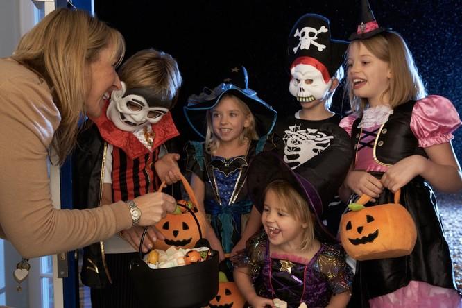 Lễ hội Halloween trên thế giới diễn ra như thế nào? ảnh 7