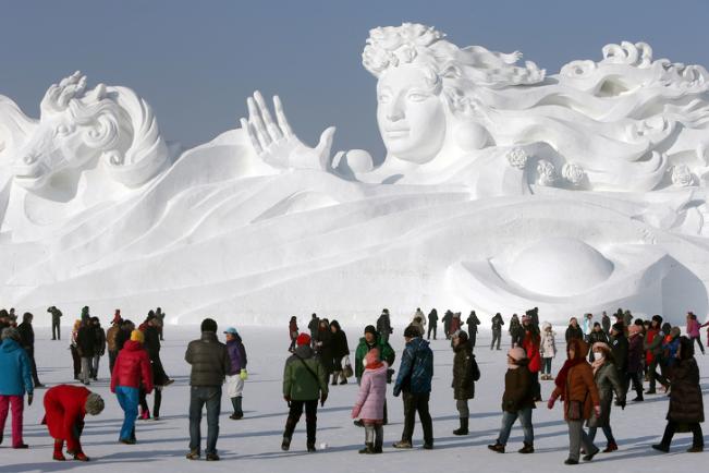 Chiêm ngưỡng 24 tác phẩm điêu khắc băng tuyệt đẹp trên thế giới ảnh 24