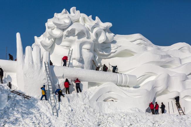 Chiêm ngưỡng 24 tác phẩm điêu khắc băng tuyệt đẹp trên thế giới ảnh 1
