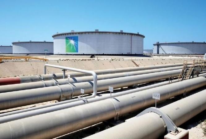 Mỹ thúc giục Ả Rập Saudi cắt giảm sản lượng dầu thô ảnh 1