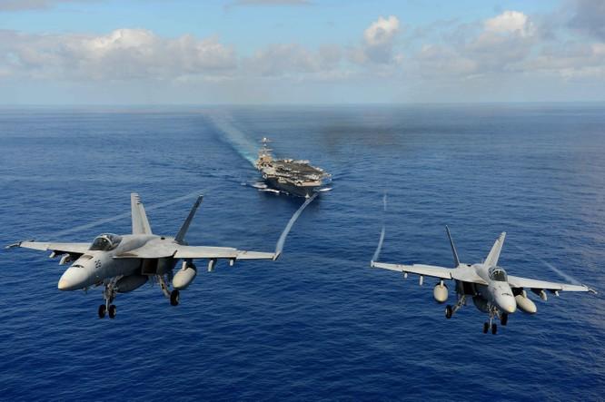 F/A-18 của hải quân Mỹ xuất kích từ tàu sân bay