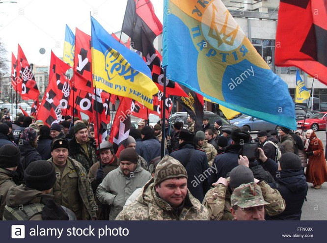 Một cuộc biểu dương lực lượng của Right Sector (Cực Hữu)