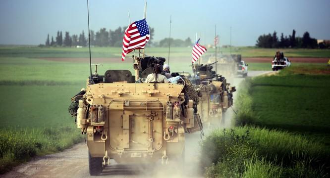Xe bọc thép của quân Mỹ trên chiến trường Syria