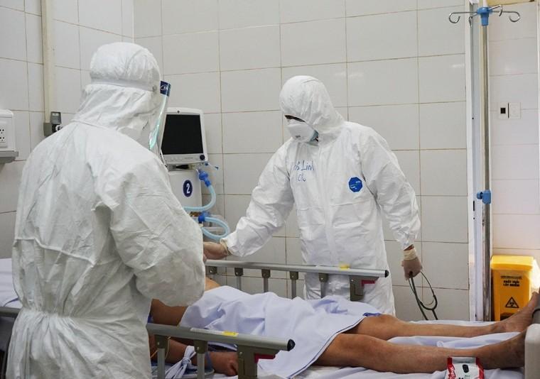 Nhiều chuyên gia của các bệnh viện lớn vào Đà Nẵng, Quảng Nam chi viện chống dịch