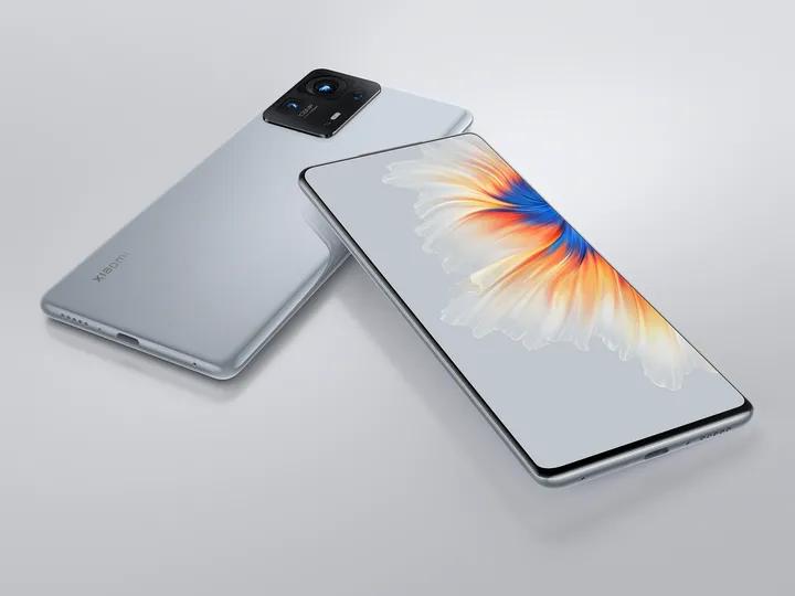 Ác mộng mang tên iPhone 13 đối với các nhà sản xuất smartphone Trung Quốc đang đến ảnh 1