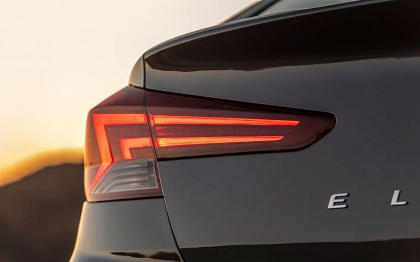 Hyundai Elantra 2019 khác với phiên bản cũ như thế nào? ảnh 13