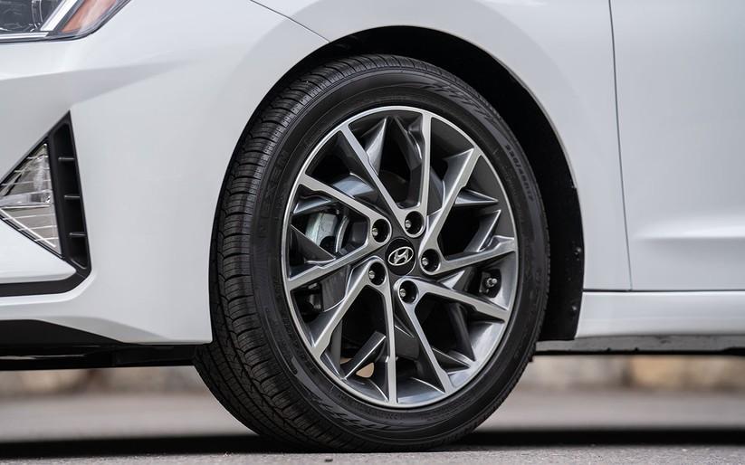 Hyundai Elantra 2019 khác với phiên bản cũ như thế nào? ảnh 9