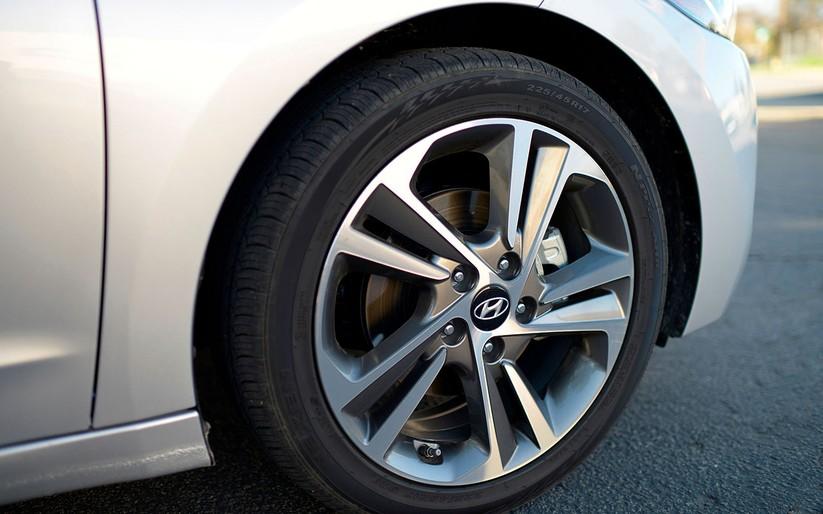 Hyundai Elantra 2019 khác với phiên bản cũ như thế nào? ảnh 10