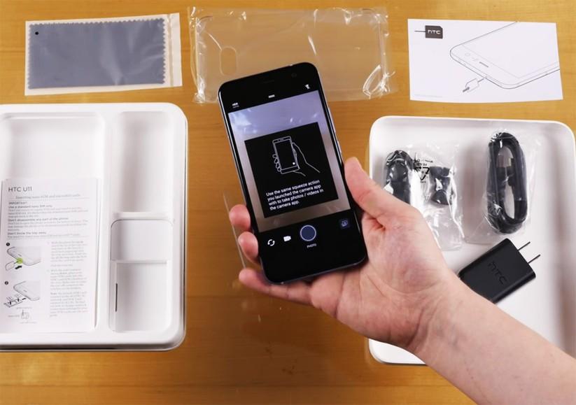 Mở hộp siêu phẩm HTC U 11 ảnh 12