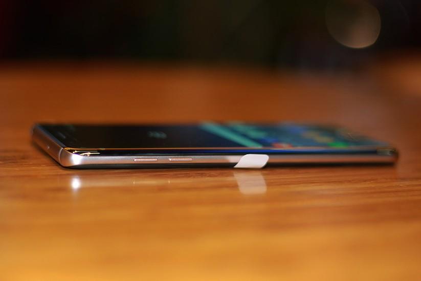 Cận cảnh Galaxy Note 7 tân trang đầu tiên về Việt Nam, giá 15 triệu đồng ảnh 12