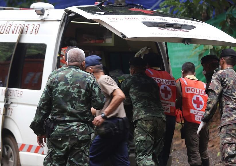 """Những hình ảnh ấn tượng về cuộc """"giải cứu hang động"""" ở Thái Lan ảnh 10"""