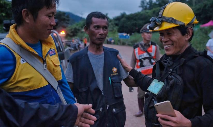 """Những hình ảnh ấn tượng về cuộc """"giải cứu hang động"""" ở Thái Lan ảnh 19"""