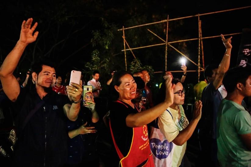 """Những hình ảnh ấn tượng về cuộc """"giải cứu hang động"""" ở Thái Lan ảnh 1"""