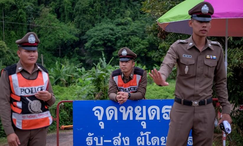 """Những hình ảnh ấn tượng về cuộc """"giải cứu hang động"""" ở Thái Lan ảnh 24"""